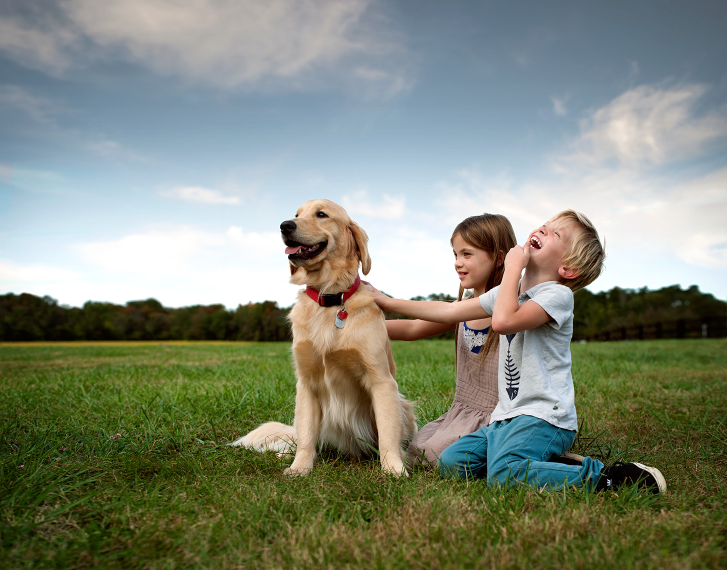 ©Robb Scharetg - kids and Golden Retriever , washington dc commercial photographer, washington dc commercial photography, washington dc lifestyle photographer, washington dc lifestyle photography